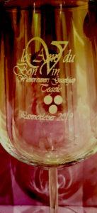 Wijnglas logo graveren